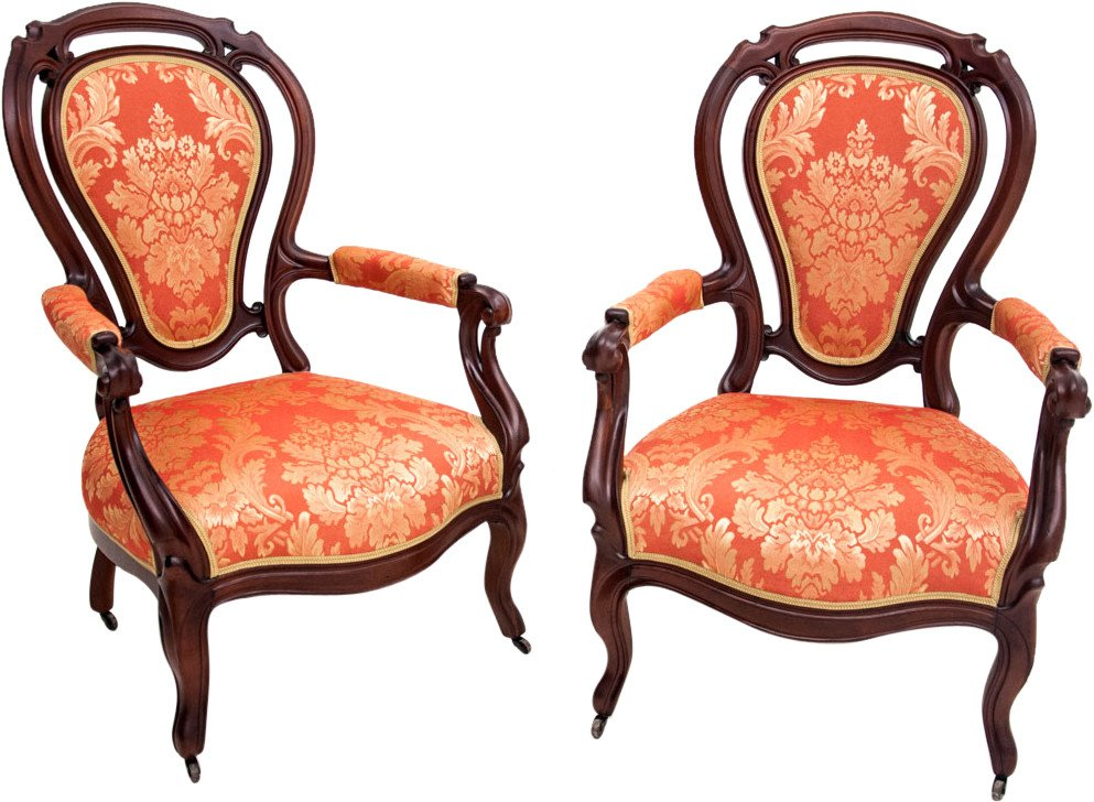 A pair of mahogany armchairs from around 1880. AFTER RENOVATION.