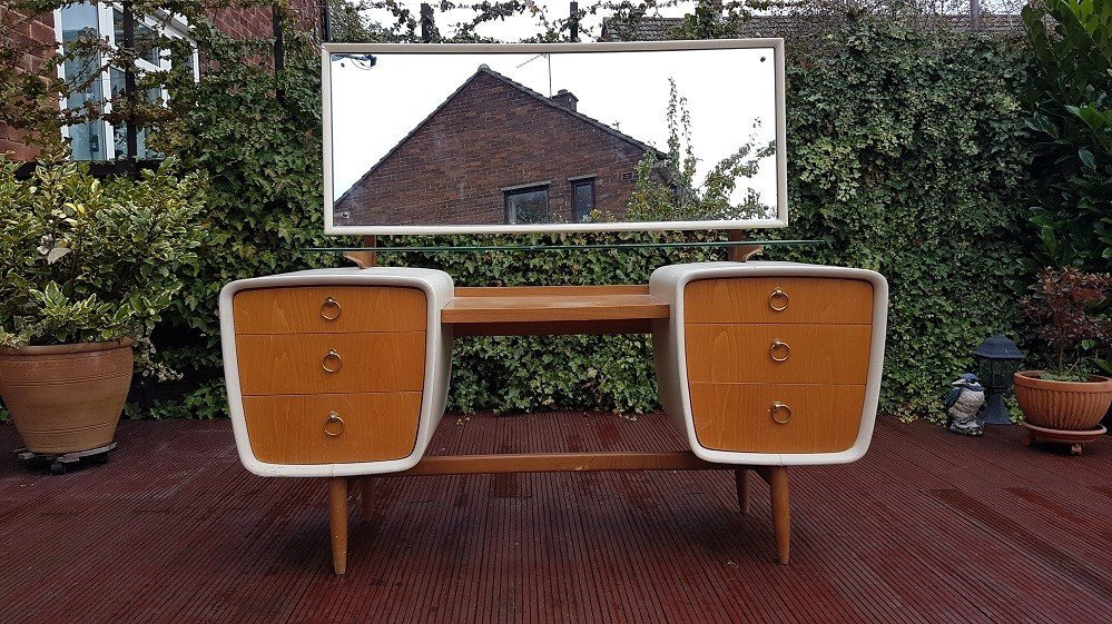 Dressing Table, United Kingdom, 1960s - 466662 - photo