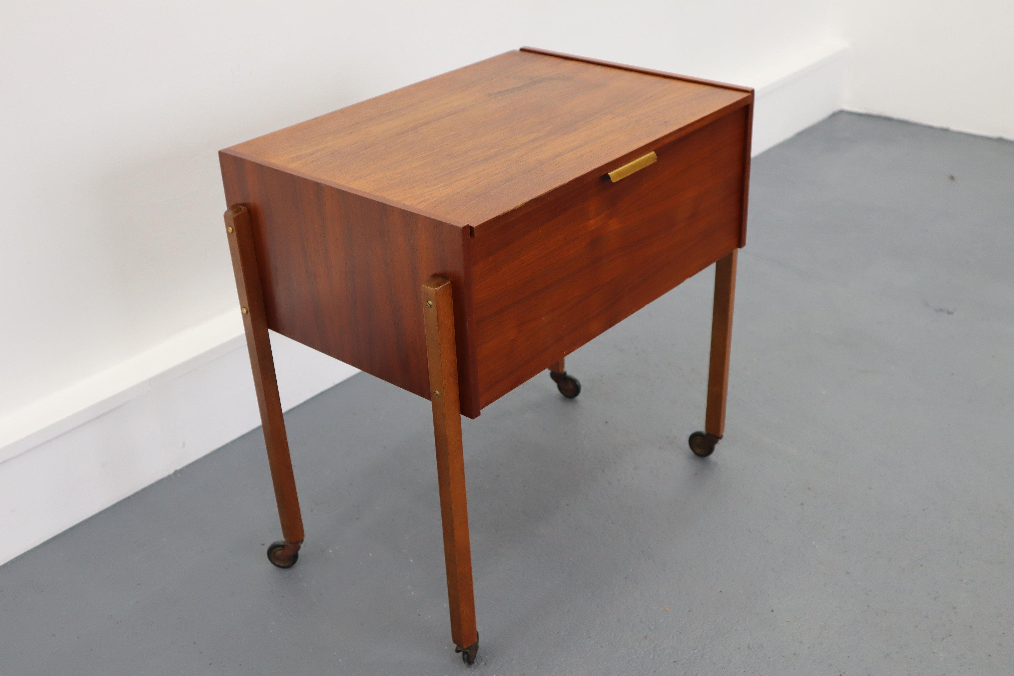 Sewing Chest, 1960s - 501020 - photo